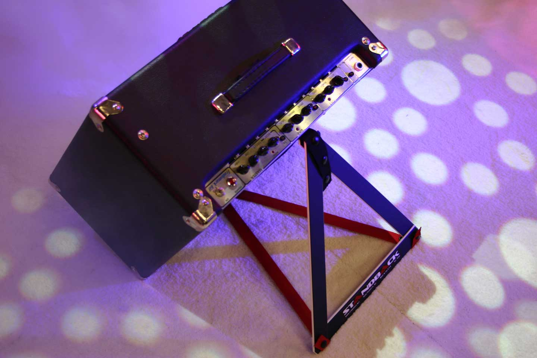 standback richard cleaver. Black Bedroom Furniture Sets. Home Design Ideas