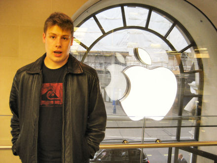Josh Apple Store